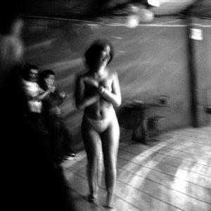 Miguel Navarro – « Café con piernas », Santiago de Chile, 2003